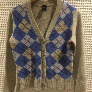 Gap wool argyle patterned v neck cardigan. Size M